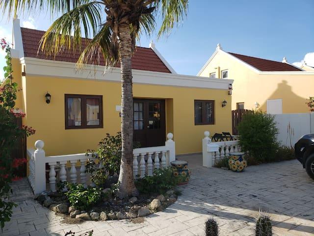 3 bedrms 2 bth Cunucu villa at 10 minutes to beach