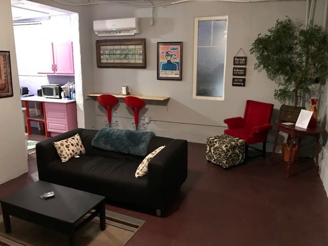 Cool, artsy downtown apartment. - Memphis - Daire