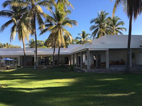 Maison en bord de mer Playa Metalio