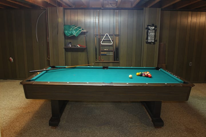 House with Large Game Room - Perfect for Groups!