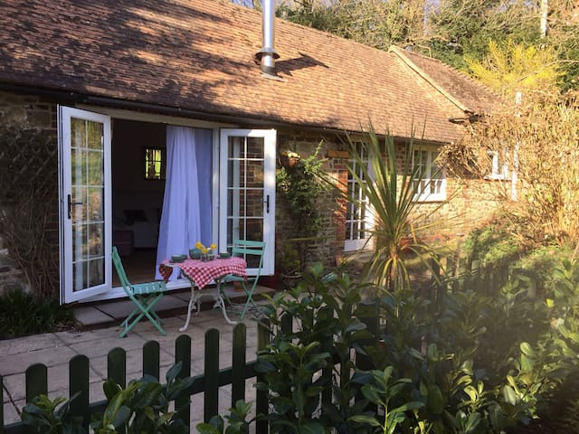 Quaint and cosy one bedroom cottage - Liphook