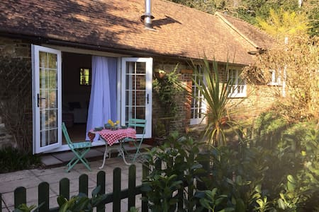 Quaint and cosy one bedroom cottage - Liphook - Σπίτι