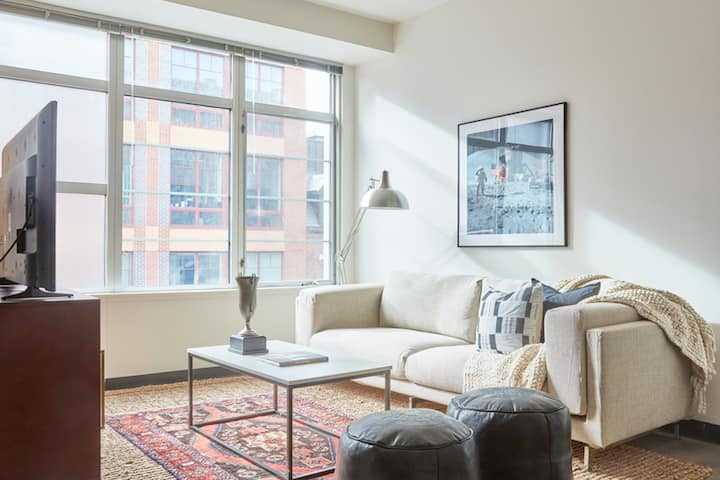 Luxury 2BR in Boston Southend | Evonify