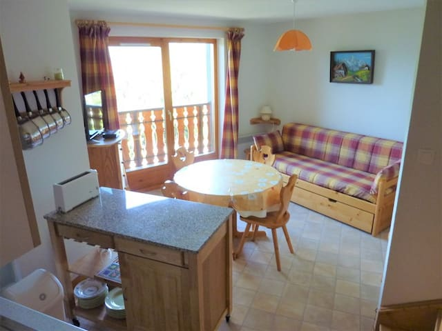 COL-CHAR-24 2 bedroom duplex apartment with magnificent mountain views