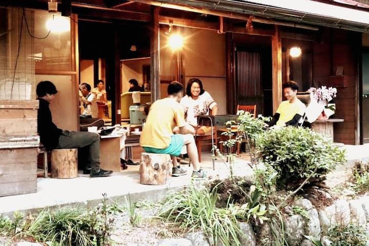 ゆる宿Voketto〜築140年の古民家ゲストハウス〜和室