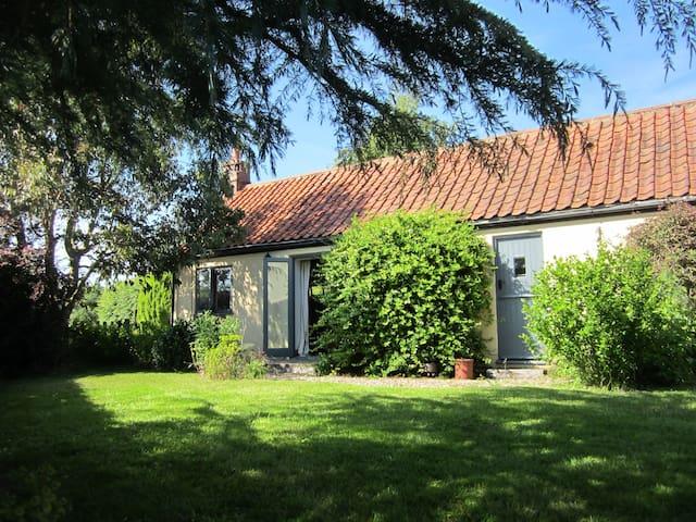 Cosy retreat with garden in rural Norfolk