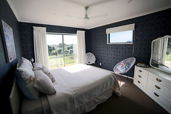 A Tiny Farm Suite with Balcony - Ngaruawahia - Casa