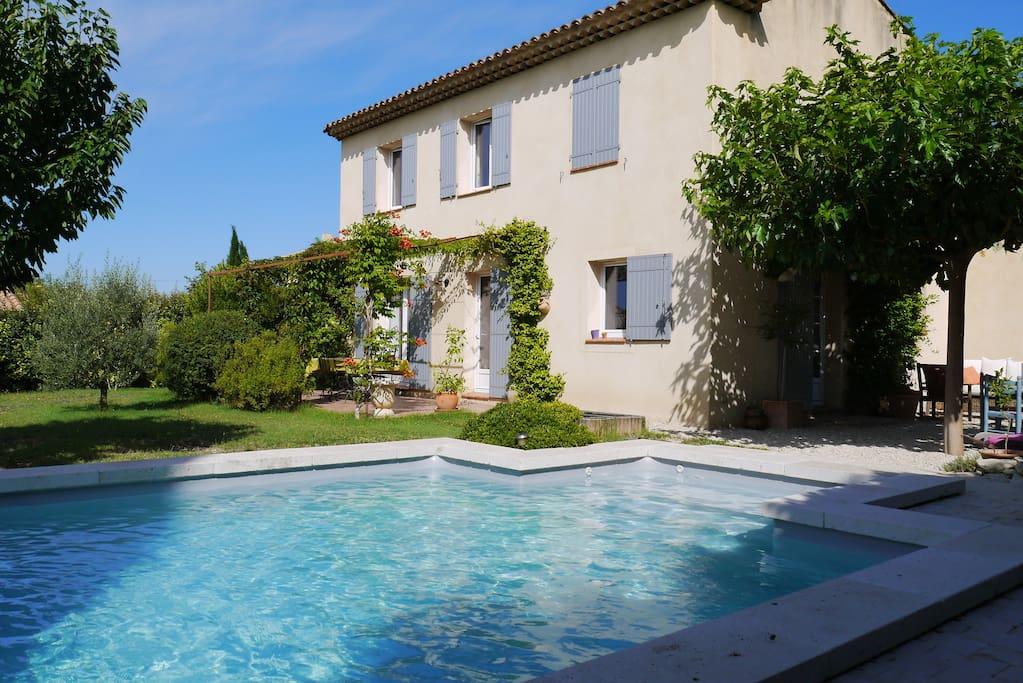 loue villa avec piscine au sud luberon maisons louer pertuis provence alpes c te d 39 azur. Black Bedroom Furniture Sets. Home Design Ideas