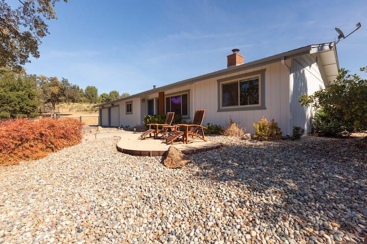 Arbor Oaks Vineyard Vacation Retreat
