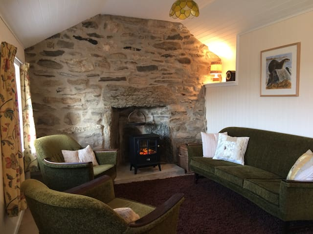 Secluded, romantic cottage 1 dbl bedroom + boxbed