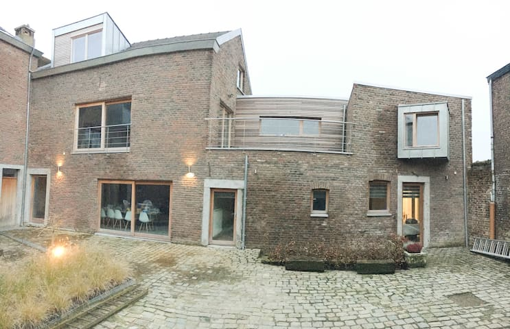 LaGrange (appartement complet 3 chambres - 120 m²)