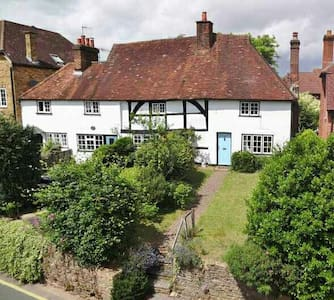 Beautiful period cottage. - Godalming  - Ház