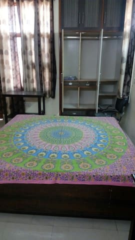 Luxurious fully furnished cheap & best stay