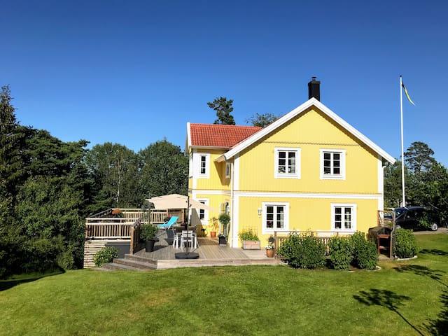 Villa i naturskön miljö nära Göteborg
