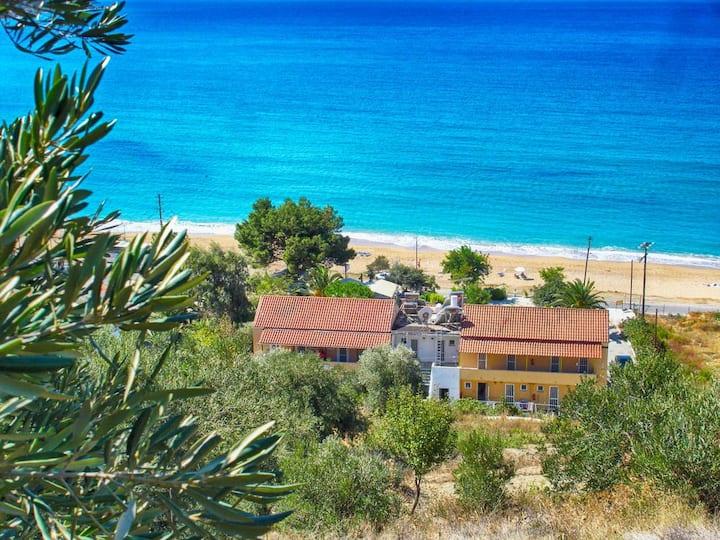Vistonia Ferienwohnung 4 - direkt am Strand mit Meerblick