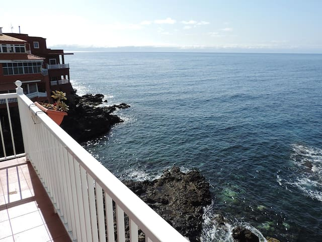 Bright Duplex Apartment With Ocean Views - Santa Creu de Tenerife - Casa