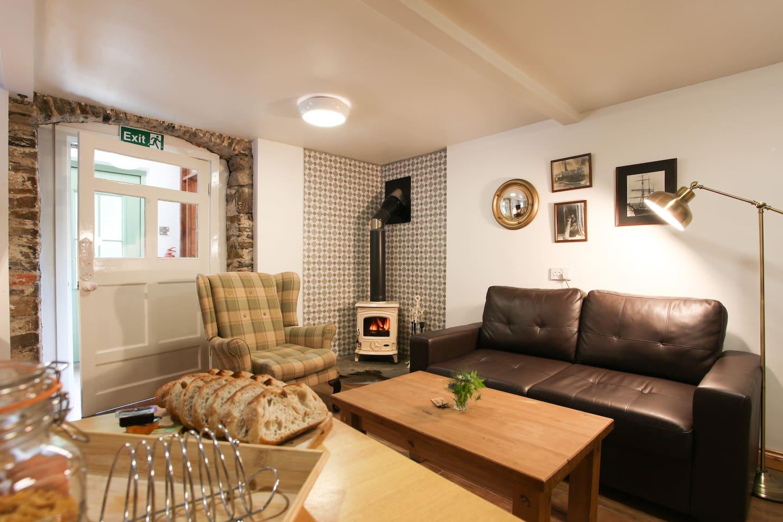 The Studio Apartment - Moville Boutique Hostel