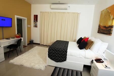 Ayaana Standard Room 102# - Polgolla