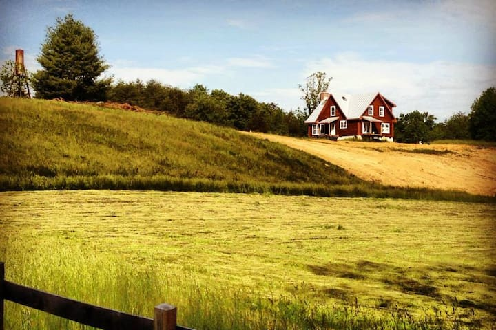 4 BR, 2 BA Home On Working Farm in Central VA