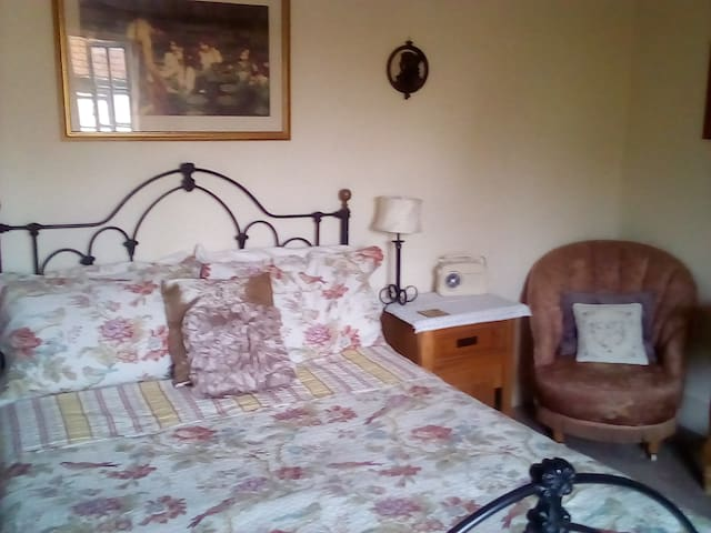 14th Century Beamed Room sleeps 4 with breakfast.