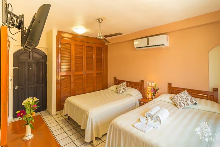 Hotel Bucaneros - Junior Suite 202 c/Sala y Balcón