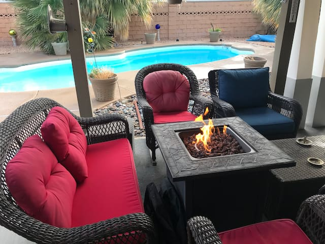 Room by Strip, Convention Center w/ Pool & Firepit