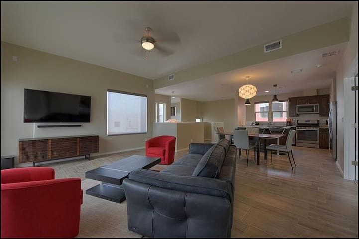 Centrally located modern townhome