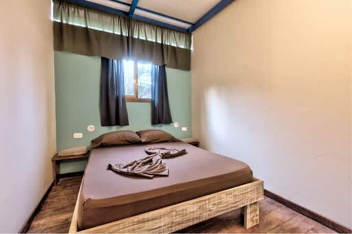 Zs - Basic Double Room - Double bed - Fan -  SB