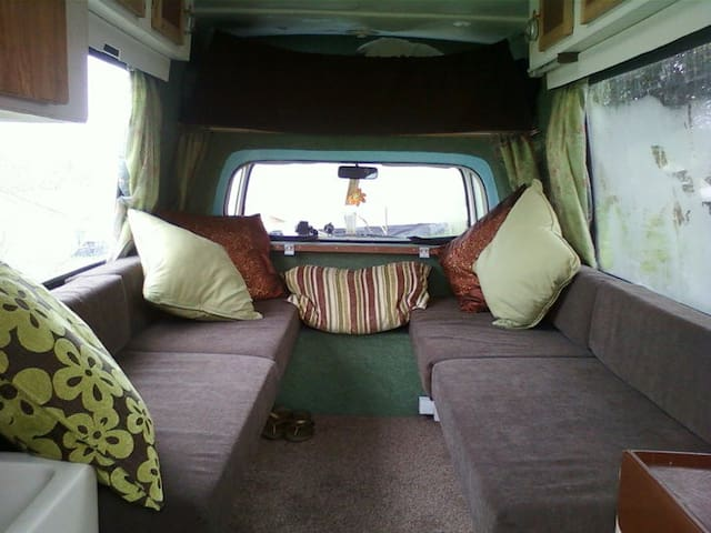 Cosy Campervan in the Garden - Cardiff - Karavan