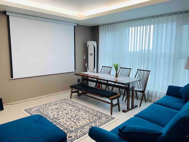 울산 강동 해변, 블루마시티 머큐어 앰버서더 호텔 30층에 위치한 레지던스-강동 스위첸