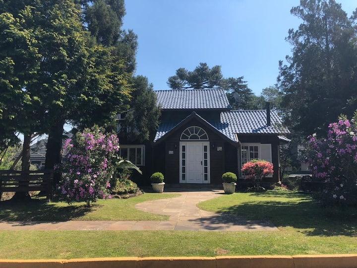 Casa Charmosa-Família-Bosque-Wi Fi-terraço-SupHost