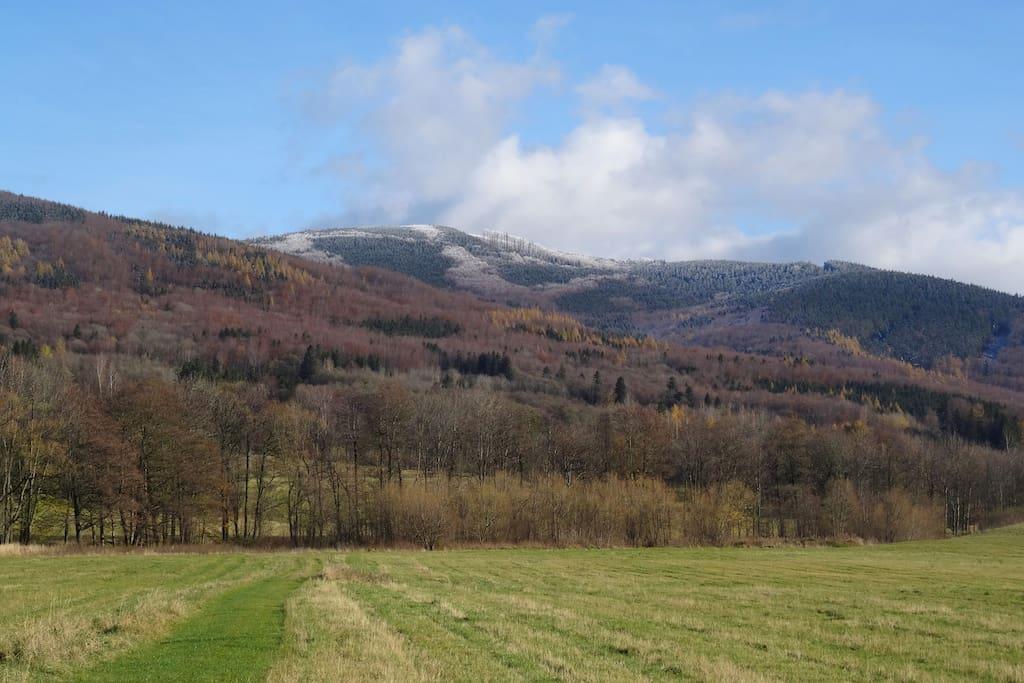Surrounding Mountains - U Nás in Vápenná