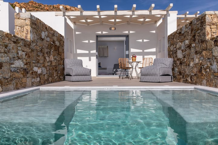 Sea View Suite with Jet Tub Pool | Mythology Naxos