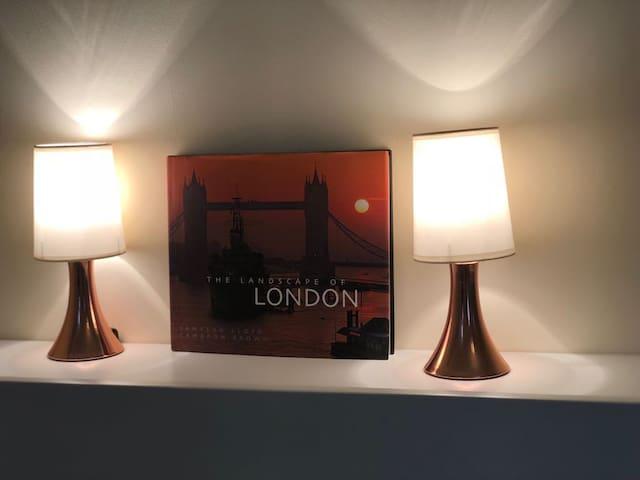 London Studio flat clean, cozy, private, central