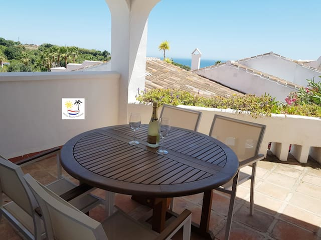 Traditional Spanish apt, free WiFi, Private garden