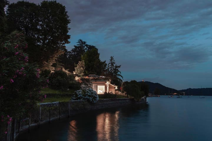 ⚤VILLA VOLPE/ DesignCube in Orta'sLake waterfront