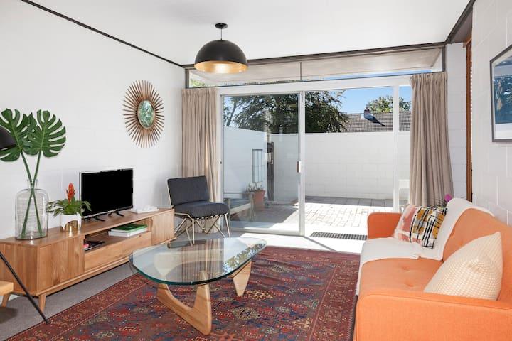 LOVE ME DO & Retro Pad - Near Airport & City - Christchurch - Appartement