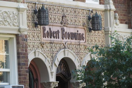 The Robert Browning Apartments - Apartamento