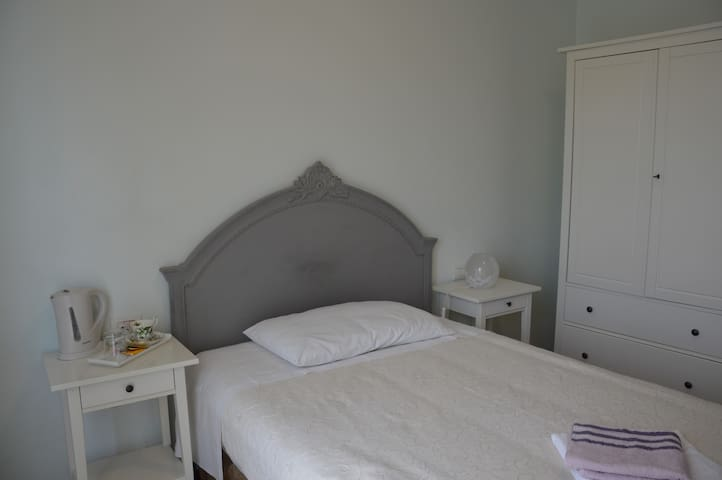 "B&B Cherry en Rose ""Single room"""