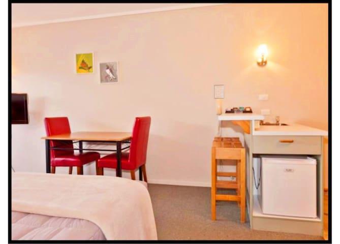 Aspiring Lodge Motel3