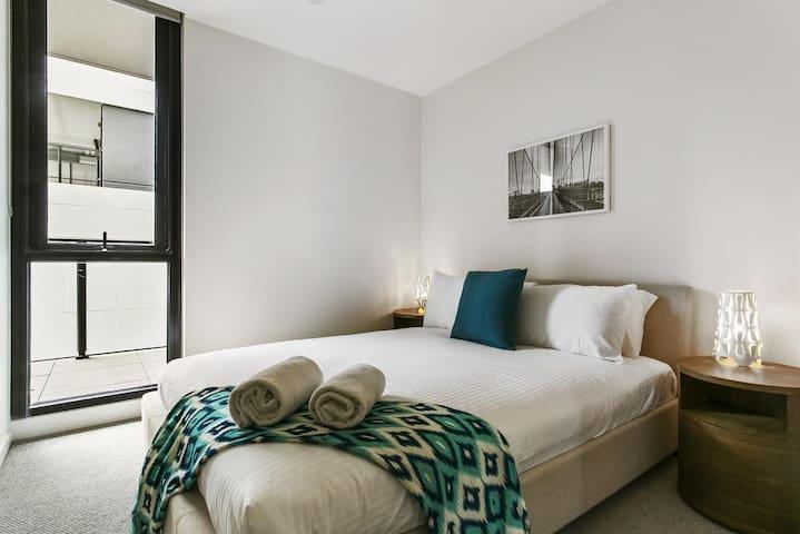 Premier One Bedroom Apartment - 7 Night Minimum