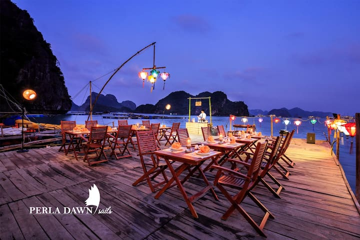 Overnight Cruise with Dinner on Floating Farm