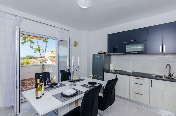 New Apartment with Romantic Sea View nearDubrovnik