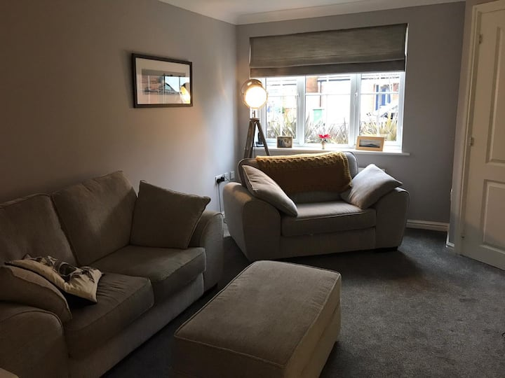 Central 3 bed refurbished house.