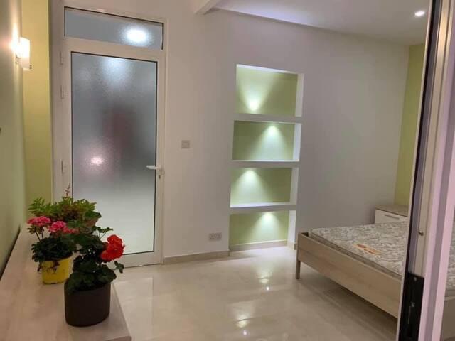 Modern ground floor maisonette. Bugibba Square