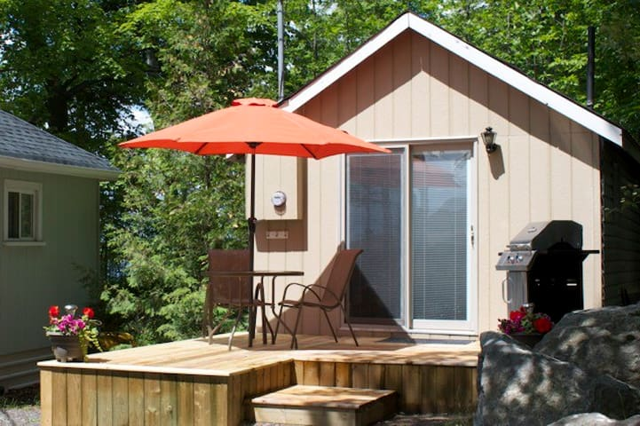 Birch Bend Resort - The Hideaway - Lakefield - Cabaña