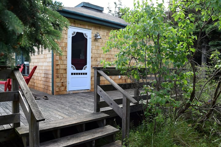 Private Oceanfront Beach Cabin -North Shore - Mount Stewart - Chatka