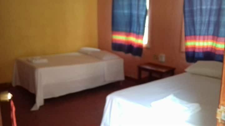 Hostal/Hotel Asturias/ HABITACIÓN DOBLE No. 3