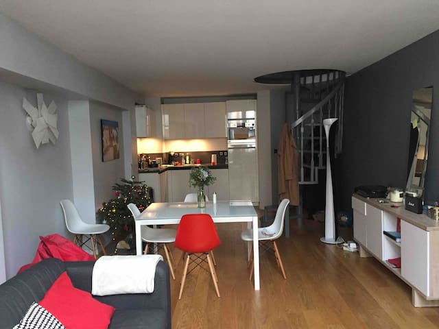 Apartment in the Carmelites, modern, ideally located