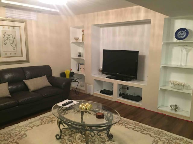 Private Basement Suite in Vaughan